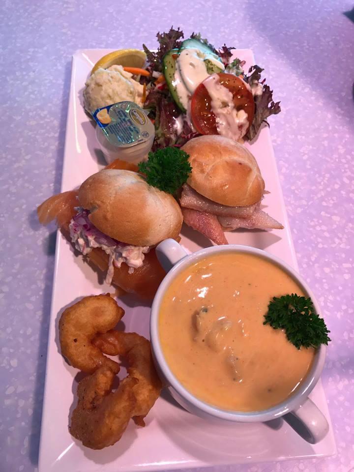 Vis lunch bij restaurant Het Havenpaleis in Scheveningen