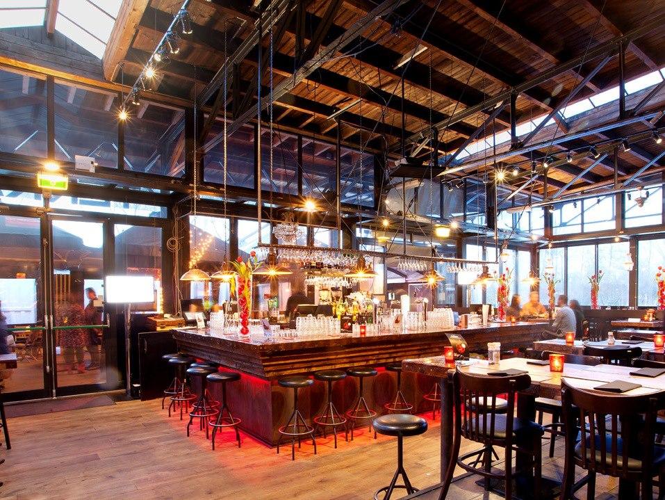 Restaurant Westergasterras op Westergasfabrieksterrein Amsterdam